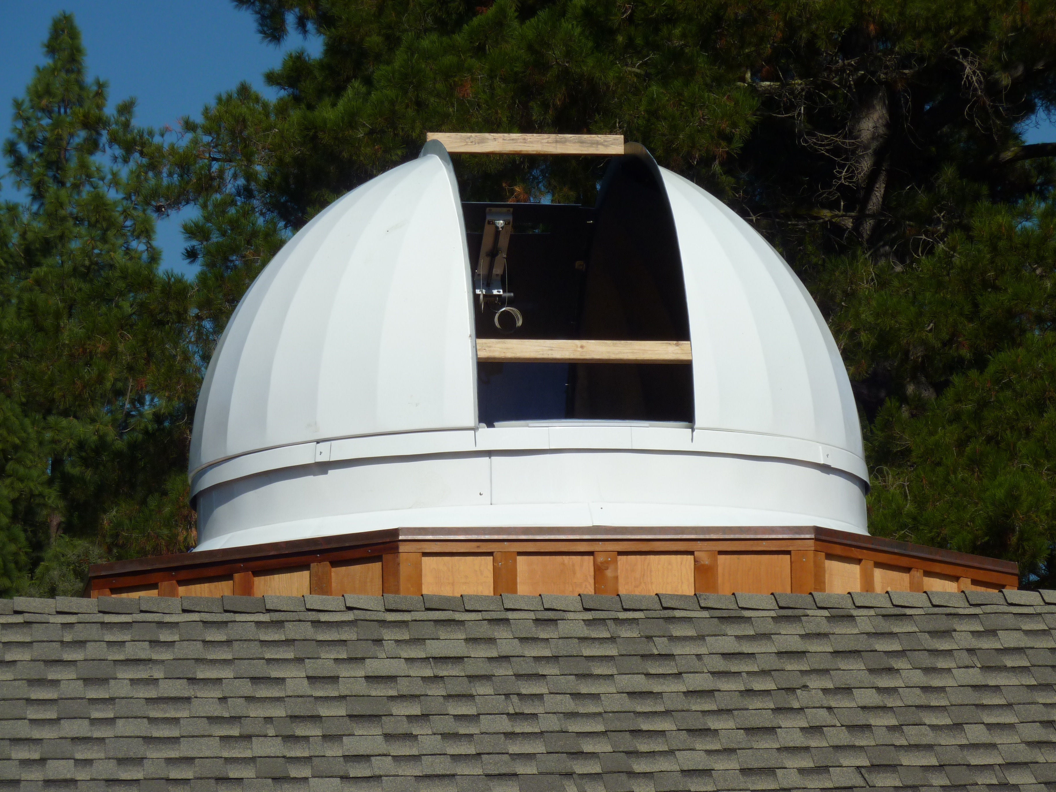 Couple Builds Star-Gazing Observatory…on Top of their House | alum