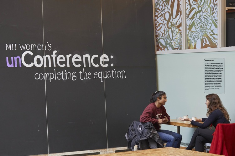 MIT alumnae converse at the women's unConference