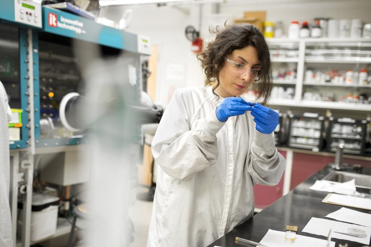 MIT.Nano researcher Farnaz Niroui SM '13, PhD '17 in the lab