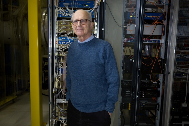 The Boston Globe's annual Bostonian of the Year award bestowed an honorable mention on Rainer Weiss '55, PhD '62 for his work in the detection and observation of gravitational waves.